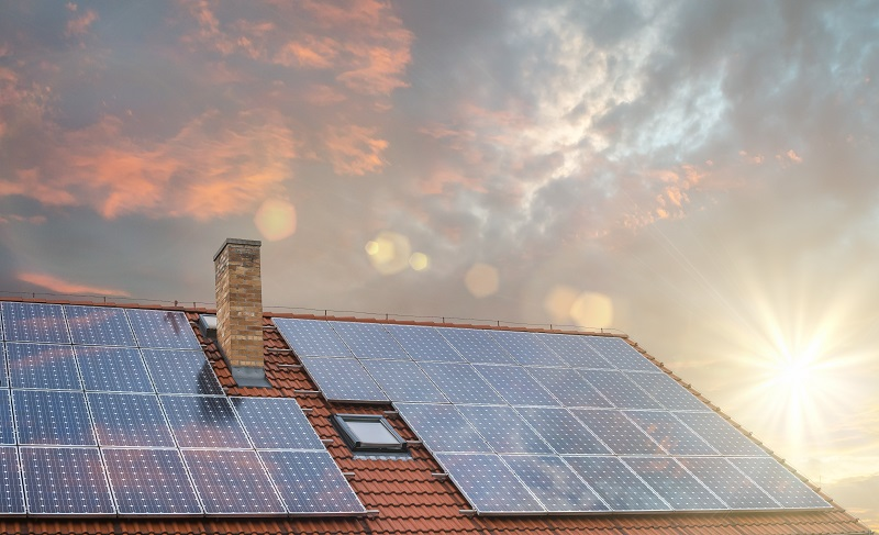 Benefits of solar batteries for home